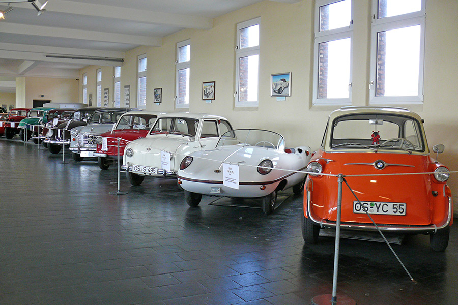 Oldtimer im Automuseum Melle, u.a. BMW Isetta