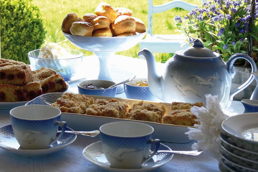 Gedeck aus der Teestube im Schloss Hünnefeld