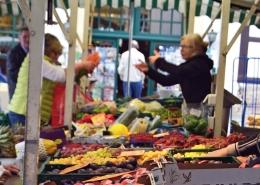 Obststand auf dem Bad Essener Wochenmarkt