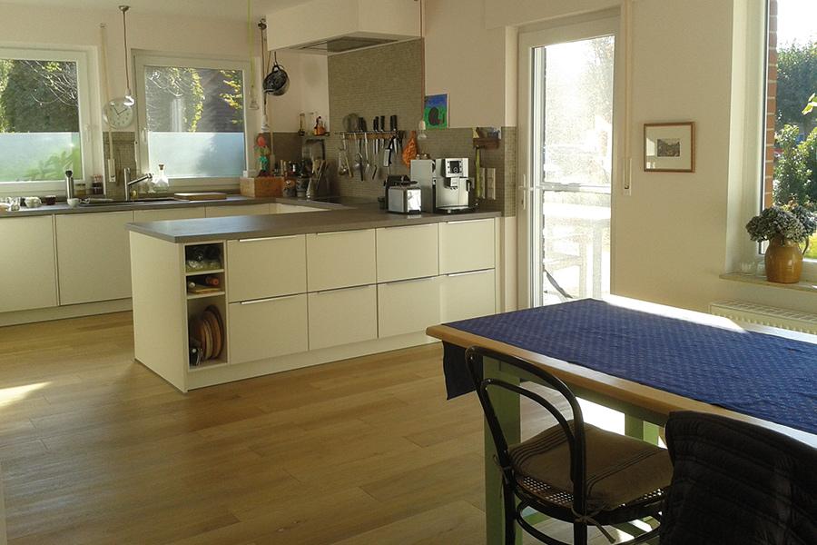 Innenansicht Küche und Essbereich Schlüters Feriendomizil