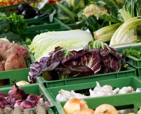 Gemüse in Kisten